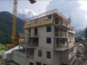 Haus A topped out